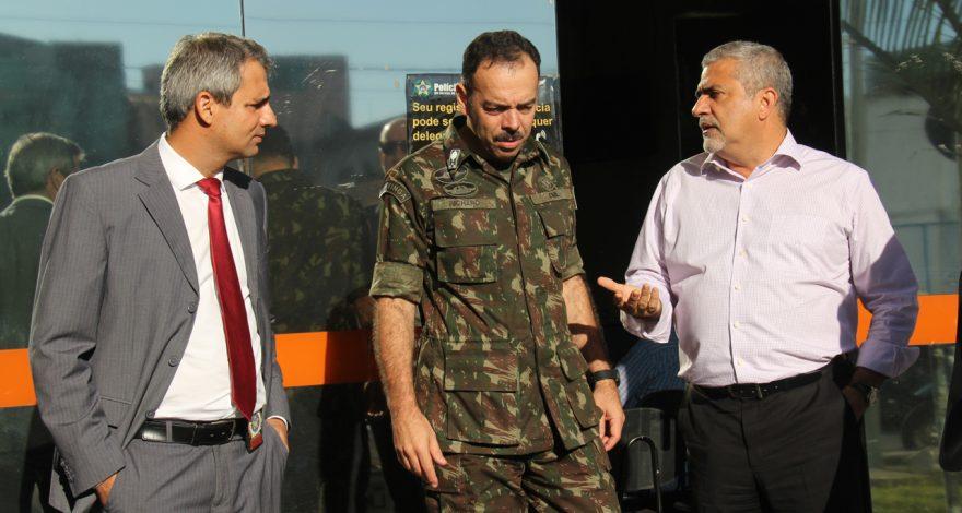Durante a visita do secretário de segurança pública, o deputado defendeu utilizar recursos do Fised para municípios do Norte Fluminense.