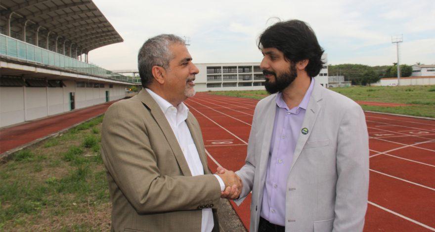 O prefeito Samuca Silva e o deputado Christino Áureo anunciaram a retomada das obras da Arena Olímpica de Volta Redonda, que fica no bairro Voldac.