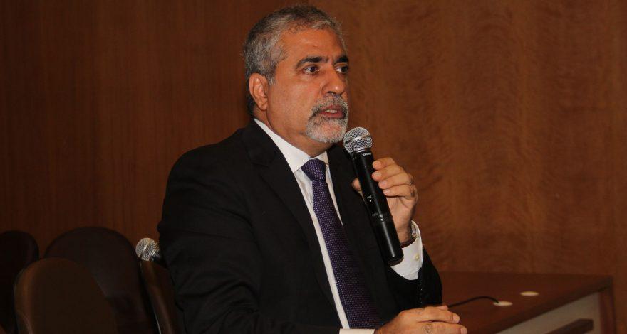 Durante Encontro de Secretários Municipais, Christino defende políticas de desenvolvimento econômico e avaliou as políticas de incentivos fiscais.