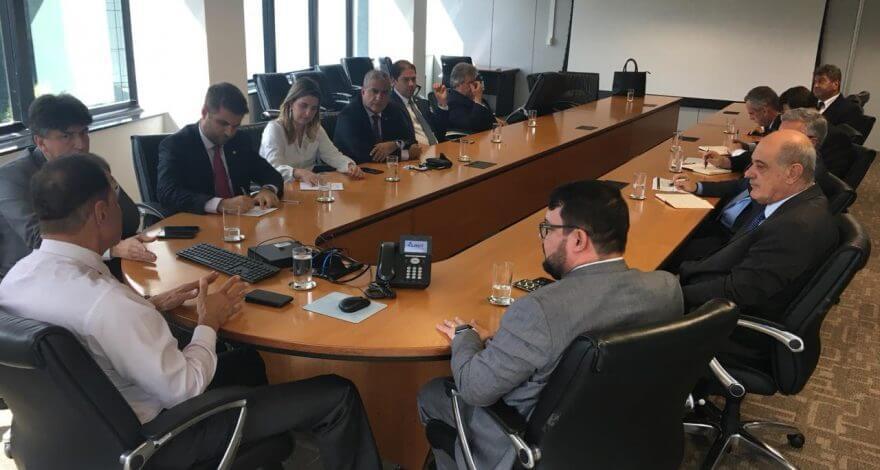 O deputado federal Christino Áureo participou de encontro com representantes da ANTT em Brasília para acelerar a conclusão da duplicação da BR-101.