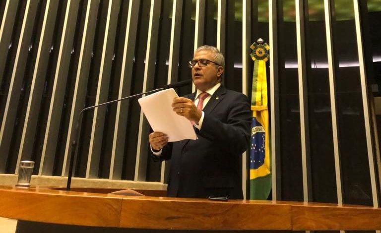 Christino Áureo defendeu a proposta da Lei do Cadastro Positivo na Câmara por entender que aquece a economia e favorece os bons pagadores.