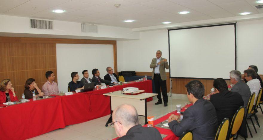 Durante evento com participação de Christino Áureo, foram discutidas as principais ações para a retomada definitiva do setor de Óleo e Gás.