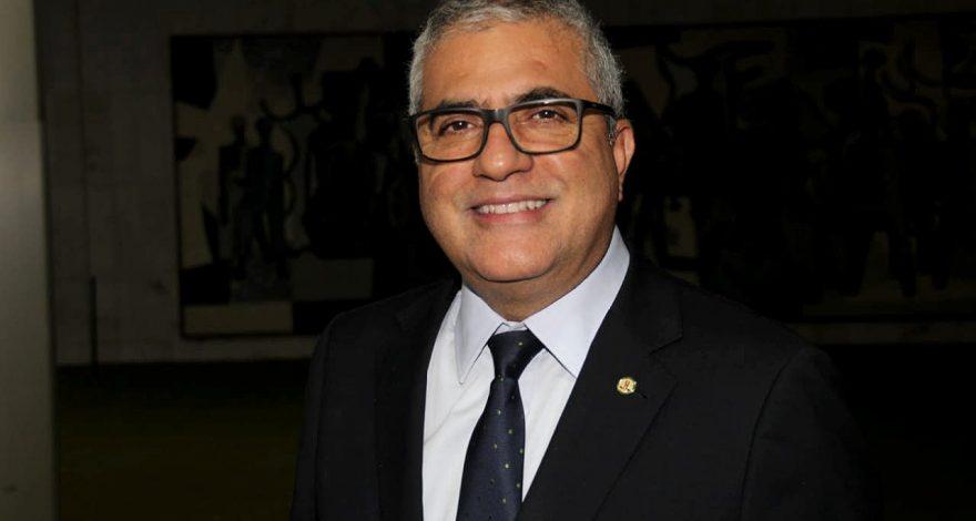 Comperj tem que minimizar impacto negativo no atraso das obras afirma Christino Áureo