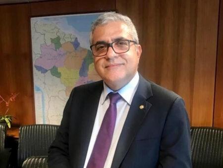 Projeto de Lei do qual Christino Áureo é relator, que proíbe corte de luz, água ou gás a novo ocupante de imóvel com inadimplência, é aprovado na CTASP